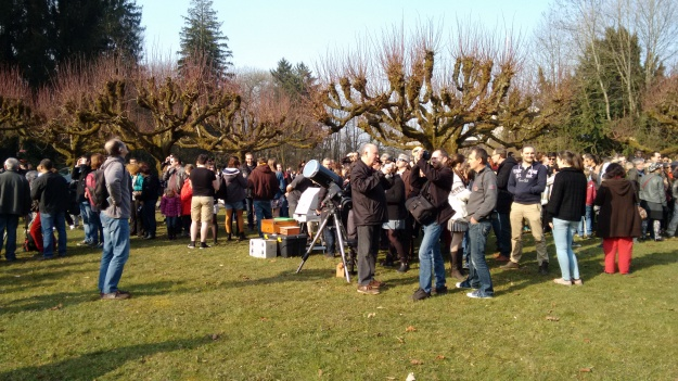 Tons of people observing the solar eclipse in Besançon, France. Credit: GalileoMobile